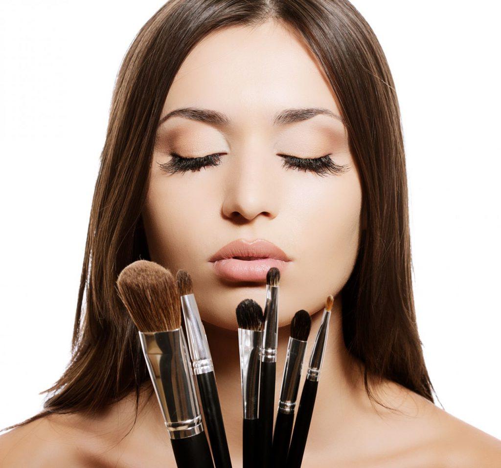 Das natürliche Make-up DIY? Zuverlässige Methoden für hübsches Aussehen