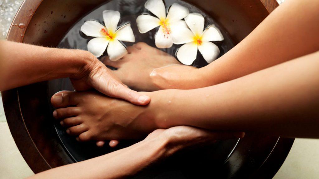 Rezepte für hausgemachte Kosmetikprodukte für Füße