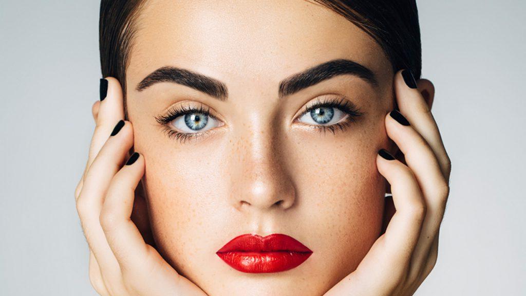 Augenbrauen-Make-up Schritt für Schritt – das ist ganz einfach!