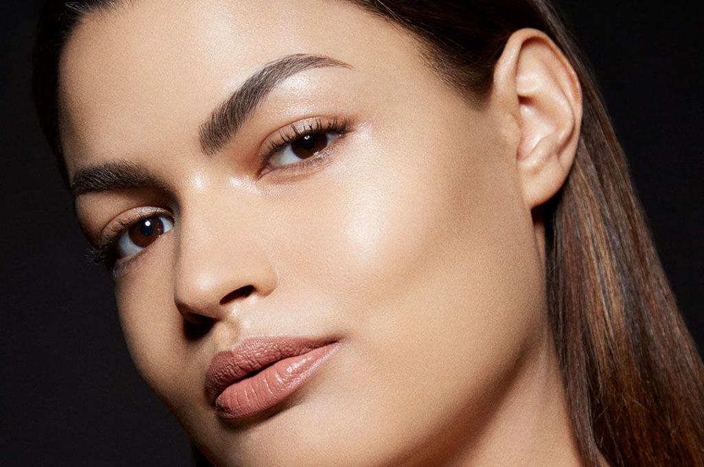 Make-up Tricks, also schönes, strahlendes Gesicht Schritt für Schritt