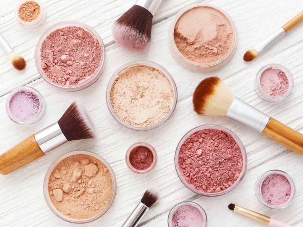 Mineral-Produkte – Anwendung und Vorbereitung der Haut auf das Make-up
