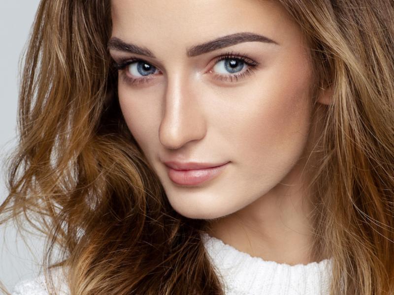 Wie schminken Sie selbstständig ein perfektes Make-up? Tagesschminke Schritt für Schritt