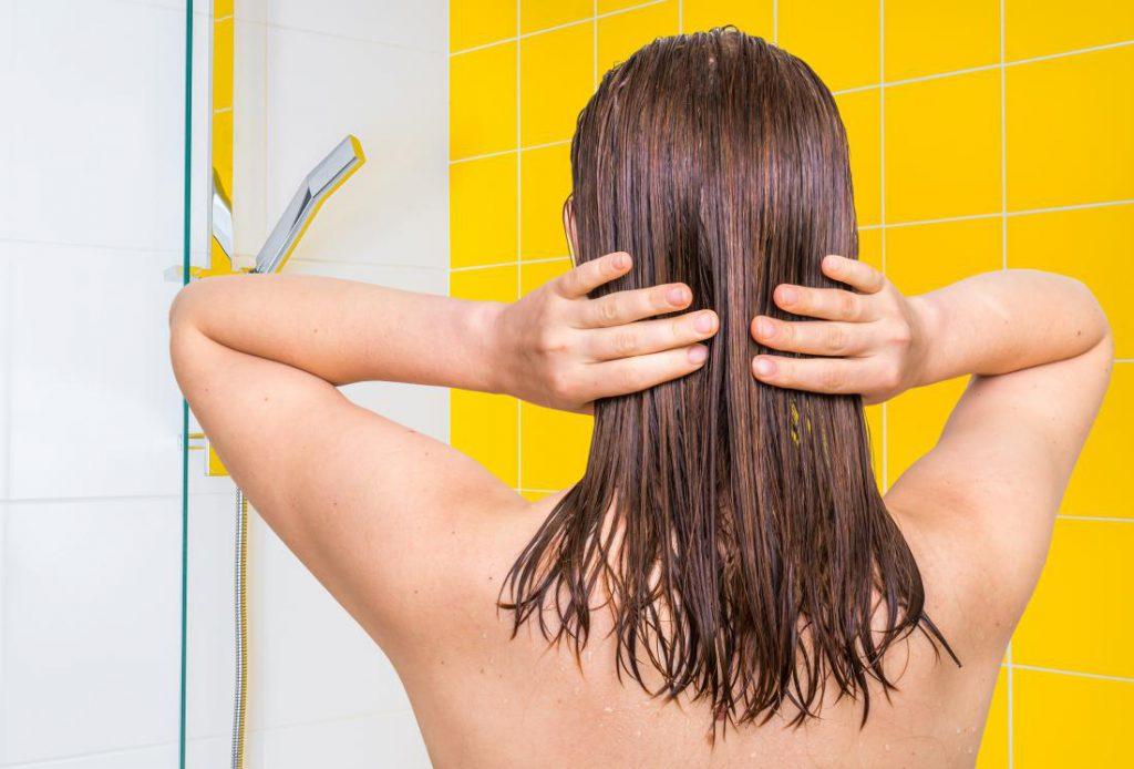 Haarspliss vermeiden. Sie müssen die Haarspitzen NICHT UNBEDINGT schneiden!